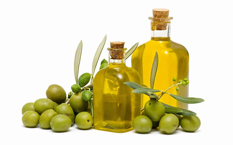 Packing olive oil